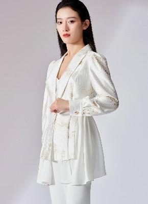 时尚女士套装